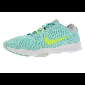 Nike training zoom fit tennis shoes!